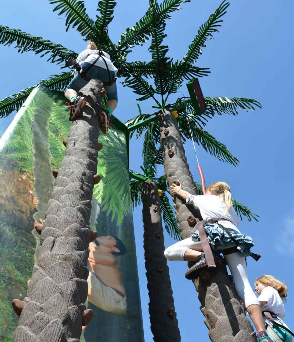 Mobile Coconut Tree Climb Climbing Attractions